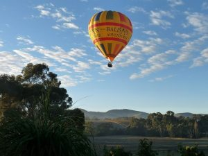 One of the many things to do in the Barossa - a hot air balloon flight.
